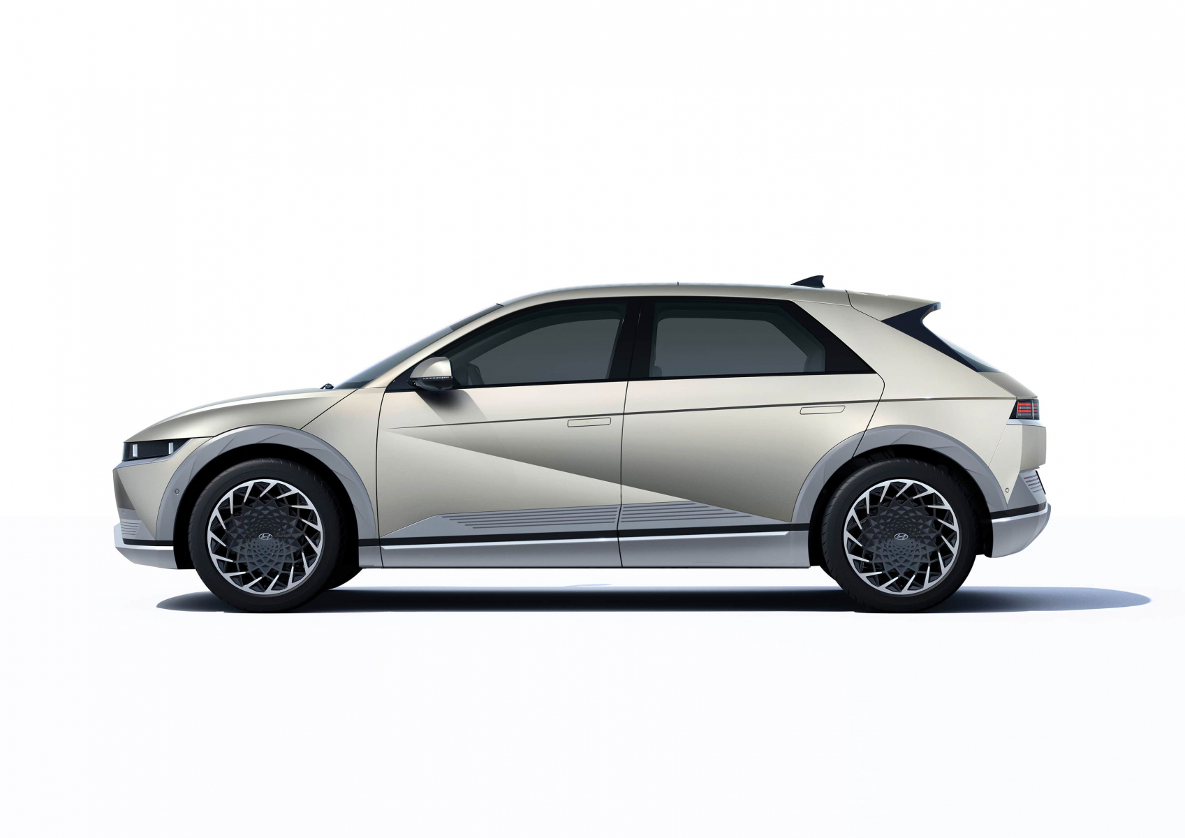 Hyundai IONIQ 5 переосмислює спосіб життя з електричною мобільністю | Хюндай Мотор Поділля - фото 12